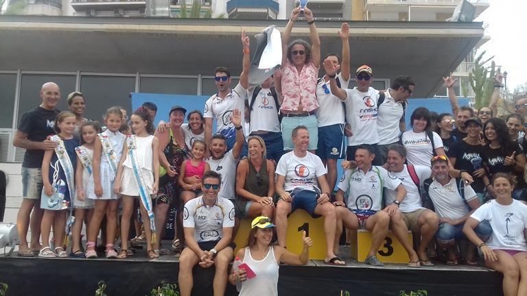 Haigor Aranguren y Eliana Sotelo, ganadores de la XVI Travesía popular a nado L'Illa–Port de Benidorm