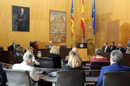 Benidorm celebra el Día de Europa con un pleno institucional en el que reafirma su vocación internacional