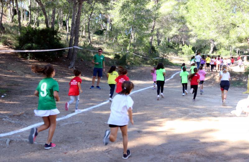 Cerca de 350 escolares participan en el Cross que da inicio a los XXXVIII Juegos Escolares de Benidorm