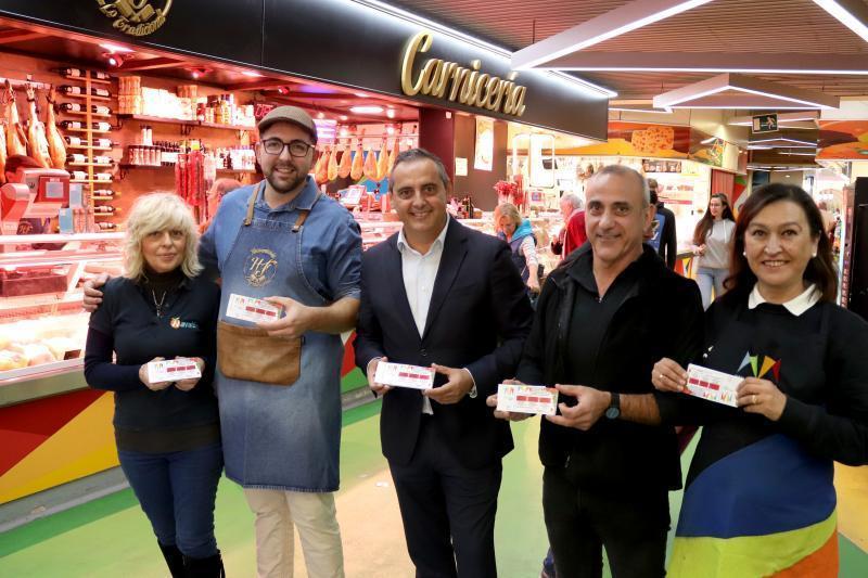 La Concejalía de Comercio con la Campaña de Navidad del Mercado Municipal