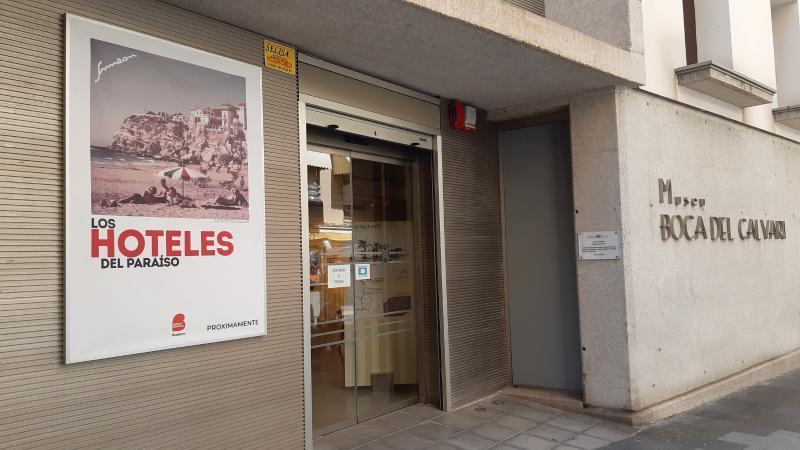 El museo Boca del Calvari reabre hoy sus puertas con la retrospectiva 'Hoteles del Paraíso'