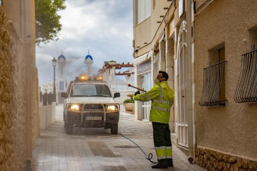 Benidorm reactiva el servicio de desinfección de accesos a edificios y comunidades