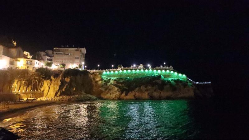 Benidorm se suma a dar #LuzporlaELA en el Día Mundial de la enfermedad iluminando el Castell, el Tossal y el Ayuntamiento