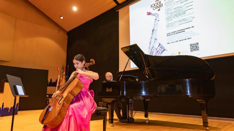 Con un concierto de violoncelo y piano arranca el Curso Internacional de Música de Benidorm