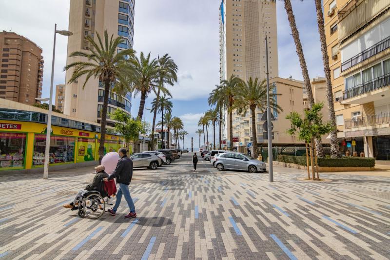 Benidorm inicia esta setmana la renovació de voreres de l'avinguda Bilbao, que seguirà el disseny de Mediterrani...
