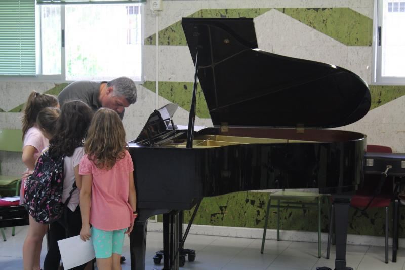 The municipal Conservatory of Music and Dance resumes its teaching activity on Monday...