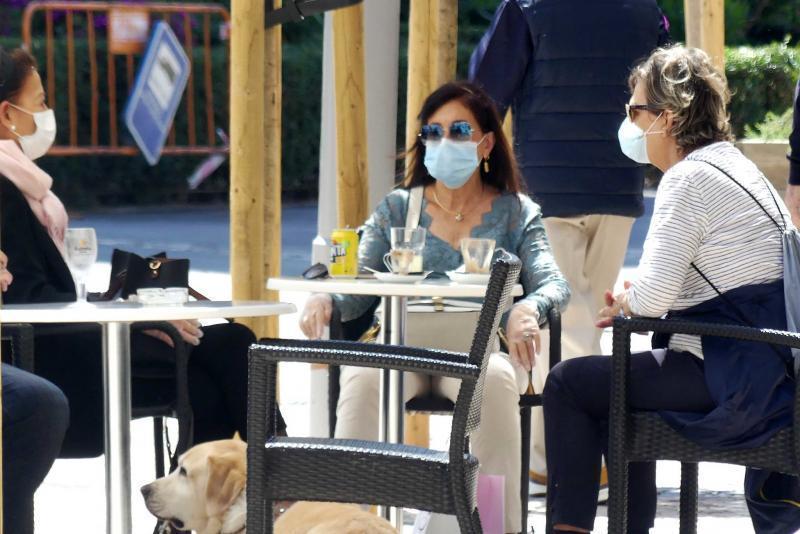 Benidorm suspende hasta 2021 la tasa de mesas y sillas para aliviar la situación de la hostelería