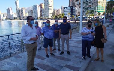 Los vecinos del Rincón de Loix se reúnen con sus representantes municipales