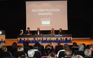 Cerca de doscientas mujeres asisten en Benidorm a la charla del Doctor Rubí sobre la reconstrucción mamaria después del cáncer