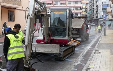 Les millores de l'obra de conversió en zona de vianants de Tomás Ortuño arriben al carrer Mart