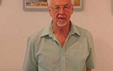 Benidorm reconocerá en el Día de Europa al profesor y escritor Charles M. Wilson