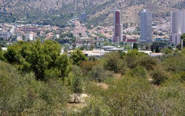 Benidorm formaliza el contrato de las obras del Parque de la Séquia Mare, que empezarán antes de final de mes
