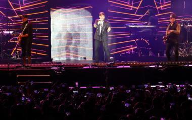 Ricky Martin reúne a unas 10.000 personas en el estadio Guillermo Amor