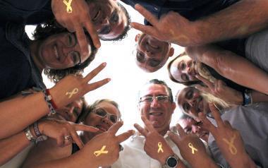 El Ayuntamiento de Benidorm apoya #PaintGold, iniciativa de Aspanion en apoyo a los niños con cáncer