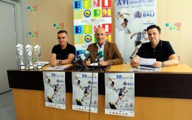 La XVI Subida al Gran Hotel Bali de Benidorm cierra récord de inscripción con 500 deportistas