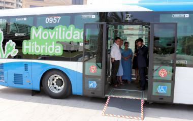 Benidorm incorpora el primer vehículo híbrido a la flota de autobuses urbanos