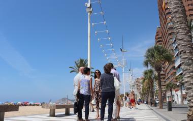 Orange y el Ayuntamiento de Benidorm prueban la tecnología 'small cell' para mejorar la navegación en zonas turísticas