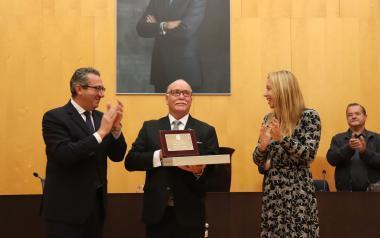 Benidorm entrega el premi 'Veí Exemplar' 2019 a l'expresident del Club d'Atletisme i membre de Caritas, Jesús Rosillo