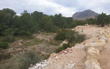 Benidorm limpiará de escombros y matorrales los caminos y vías pecuarias de El Moralet