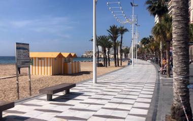 El Ayuntamiento cierra totalmente las playas y calas de Benidorm