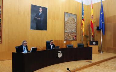 El pleno de Benidorm apoya a Hosbec y la AMT al pedir un Plan Especial de Protección del Sector Turístico por la crisis de la COVID 19
