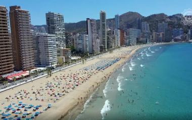 Nuevo récord de usuarios en las playas de Benidorm