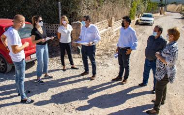 L'Ajuntament asfaltarà el Camí de la Lloma i dotarà a l'Horta de més fanals solars