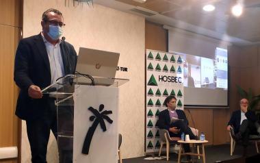 """El alcalde destaca la """"valentía"""" y """"compromiso"""" de Hosbec durante la pandemia"""