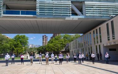 Benidorm guarda un minuto de silencio por la mujer asesinada en Zaragoza