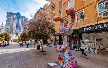 Los comercios de Benidorm podrán abrir los domingos y festivos desde mediados de junio al 5 de enero