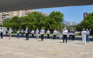 Minuto de silencio en Benidorm por las dos últimas víctimas de la violencia machista