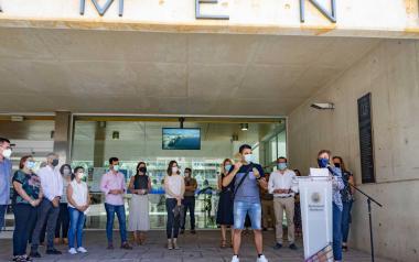 Amb la lectura d'un manifest, Benidorm celebra el Dia Nacional de les Llengües de Signes Espanyoles