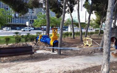 Benidorm amplía el Museo del Agua al aire libre con piezas donadas por el Consorcio de la Marina Baixa