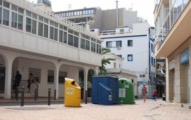 El sistema piloto de contenedores de 'quita y pon' llega a la Plaza del Pintor Lozano y a la calle La Parra
