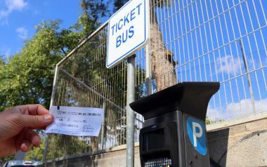Benidorm conecta gratuitamente 1.300 plazas de aparcamientos públicos disuasorios con el transporte urbano