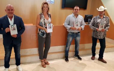 Morales ha donado a la Biblioteca Central varios ejemplares de su obra.
