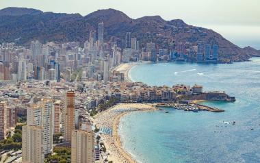 Benidorm presenta al Ministerio un proyecto para impulsar el turismo de compras en varias zonas comerciales