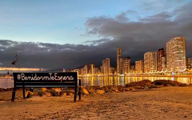 El Ayuntamiento lanza #BenidormTeEspera, un concurso con el que inyectará 1,5 millones de euros en el tejido productivo
