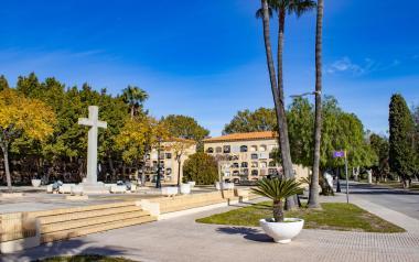 16 Nuevos bancos de descanso para los cementerios de Sant Jaume i Verge del Sofratge