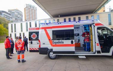 L'Assemblea Local de Creu Roja Benidorm presenta la seua nova ambulància