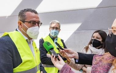 La Generalitat asume la petición del Ayuntamiento de suprimir el paso a nivel de la Av.  Beniardá