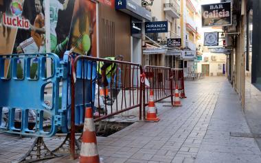 Benidorm actualiza el alcantarillado de las calles Rosario y Alcalde Jaume Ferrer para evitar atascos y malos olores