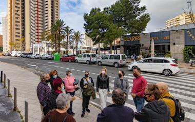Els veïns de la Cala avaluen l'acció municipal en el barri