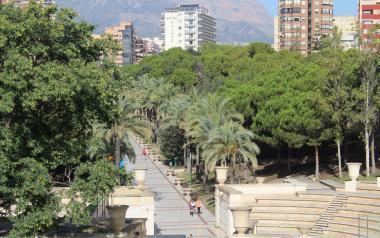 Benidorm obri parcialment el Parc de l'Aigüera per a passejar i fer esport