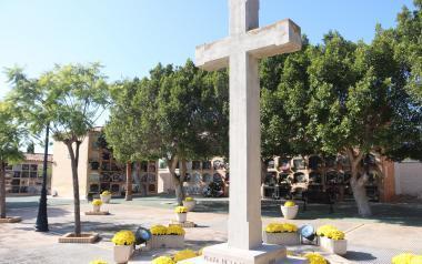 Benidorm abre al público mañana sus cementerios Verge del Sofratge y Sant Jaume, entre las 9 y las 14 horas