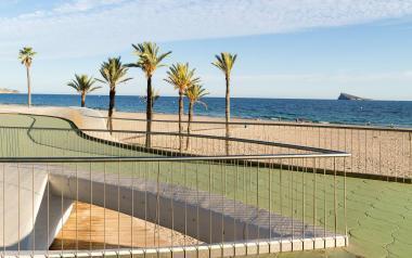 Paseo y playa de poniente