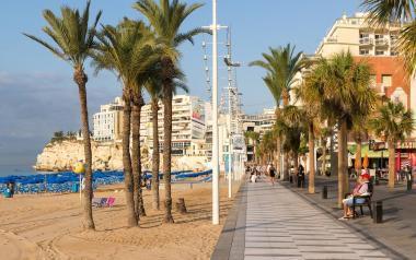 Playa y paseo de levante