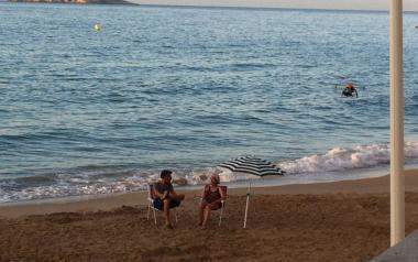 A ras de cielo:Tú a Mallorca, yo a Benidorm