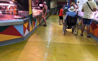Ciudadanos denuncia goteras y altas temperaturas en el mercado municipal de Benidorm