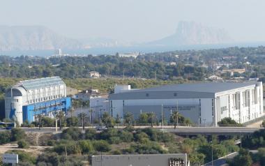 Benidorm recibe 520.000 euros de fondos europeos para instalar placas fotovoltaicas en colegios y edificios públicos